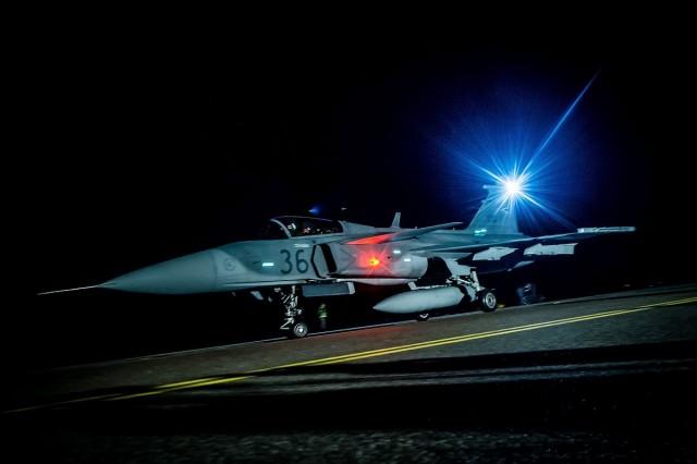 Amerikai gépet fogtak el a magyar légtérben