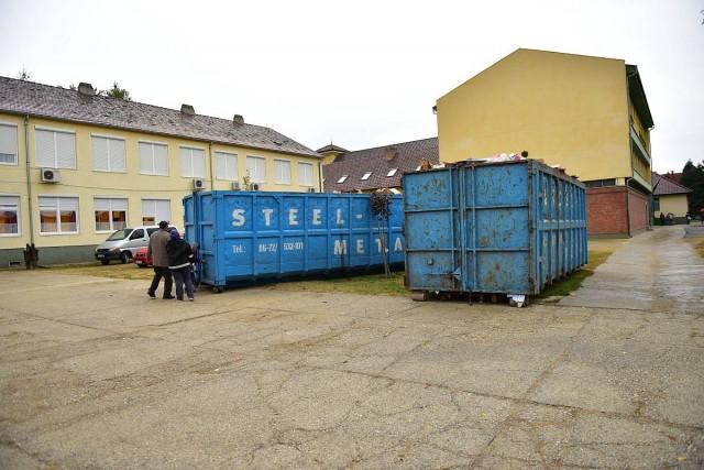 Osztálypénzzé alakul a több tonna hulladék