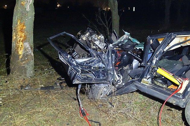 Egy személy meghalt, amikor egy jármű fának ütközött Szentes közelében. Fotó: Donka Ferenc, MTI