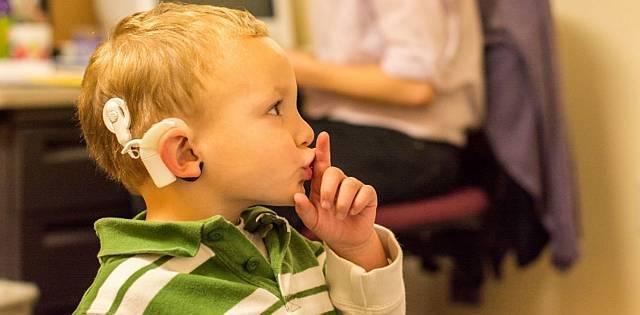 Hallássérültek világnapja: szeptember utolsó vasárnapja