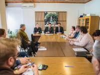 Vezetőségi értekezlet. Az igazgatóság tagjai balról jobbra: dr. Zsadányi Zsolt, Marosi András, Szilágyi Tibor