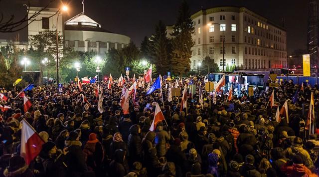 Sajtószabadságért tünttetek Lengyelországban