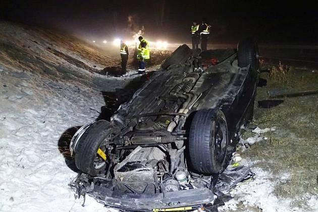 Halálos baleset az M5-ös autópálya Szeged felé vezető szakaszán szombaton. fotó: Donka Ferenc, MTI