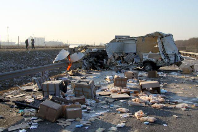 Drámai képek az M6-oson történt tömegbalesetről