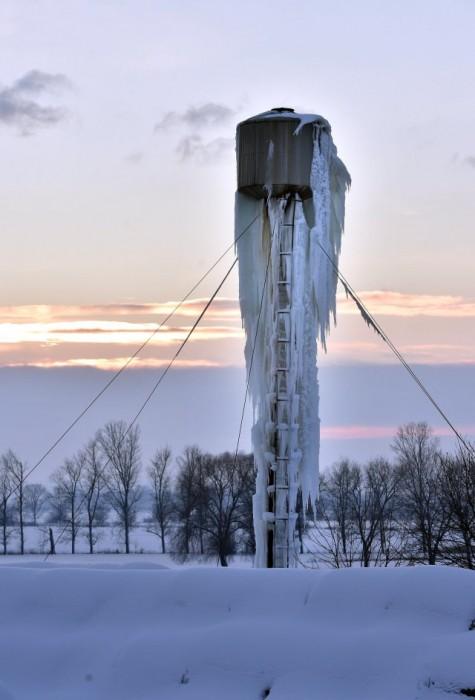 Látott már szétfagyott víztornyot?