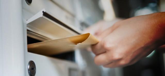 Hétfőtől lehet felvenni a szavazási levélcsomagokat a külképviseleteken