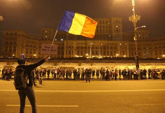 Visszavonták a román törvénymódosítást