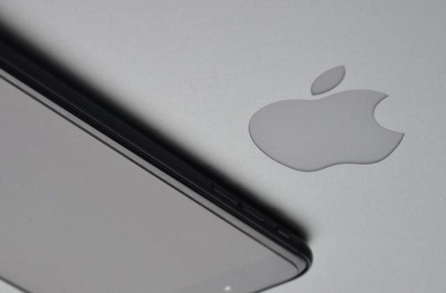 Zsebem gépei, egyesüljetek! Ötletes szabadalmat jelentett be az Apple