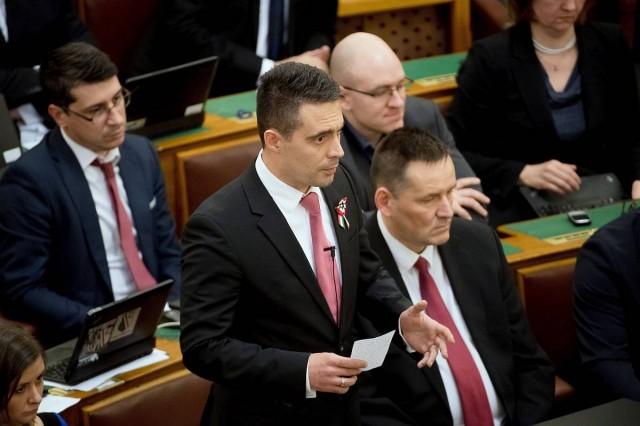 Visszamenőleg is földesúradót vetne ki a Jobbik