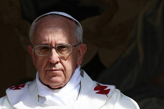 Ferenc pápa: elég lenne minden családnak egy migránst befogadni