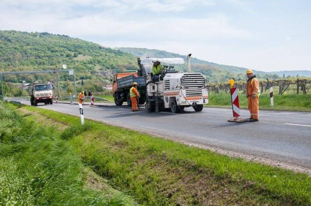 Ezer kilométernyi úthálózatot fejlesztenek