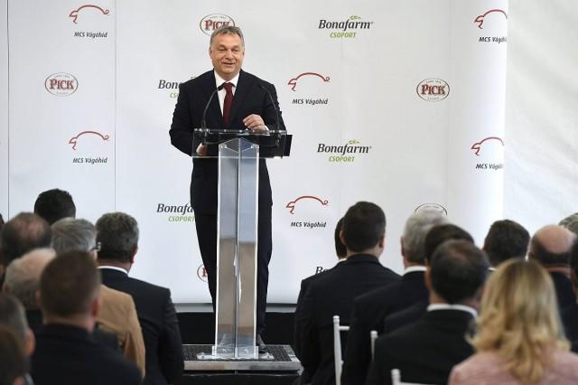 Pécsre látogat Orbán Viktor, kérdezni tilos
