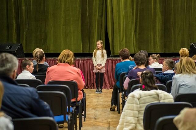 Nyolcvan diák készült a költészet napi versenyekre