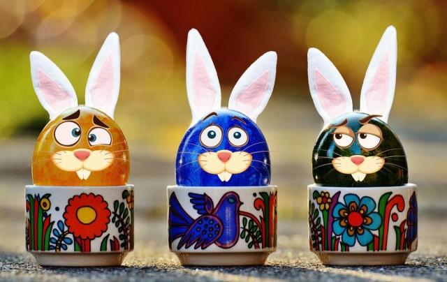 Jelképek kavalkádja: a húsvét hétfői locsolkodás