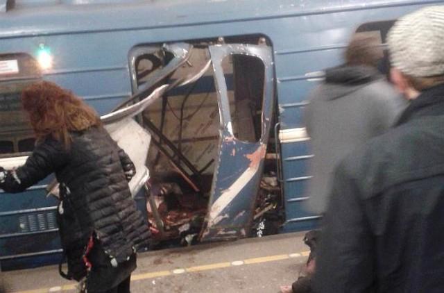 Robbantottak az orosz metróban
