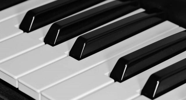 Pianínót és kórust minden iskolába!