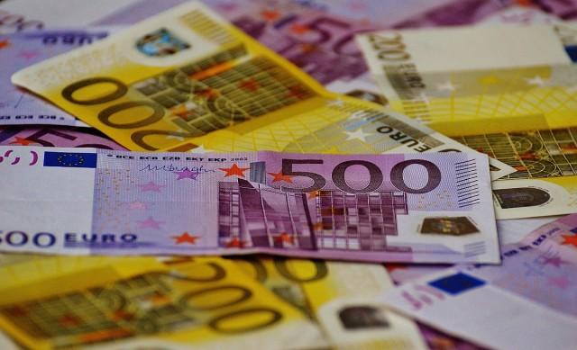 Német lapok: mindenkinek kötelezővé tennék az eurót