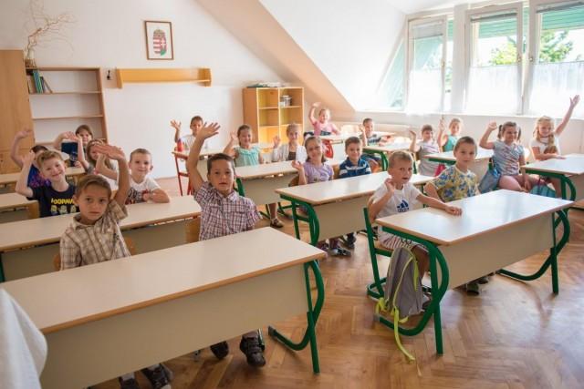 Az iskolával és tanáriakkal ismerkedtek az elsősök