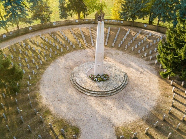 Ismét csendben koszorúztak a bolgár temetőben