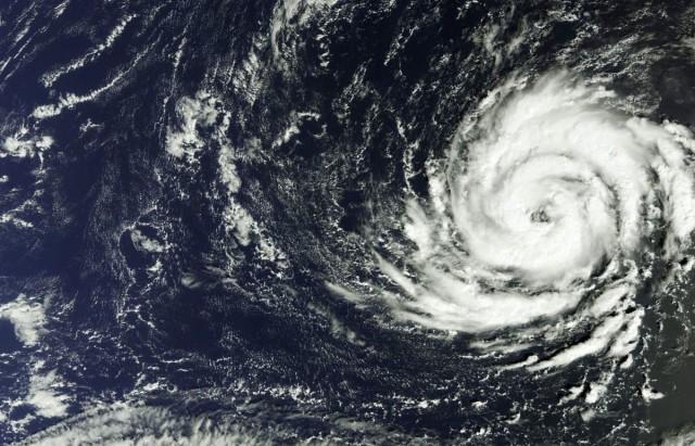 Hurrikánra készül a szigetország