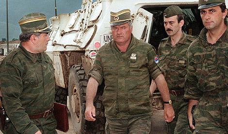 A bosnyák államfő szerint a srebrenicai mészáros hős, elítélése a nemzet arculcsapása