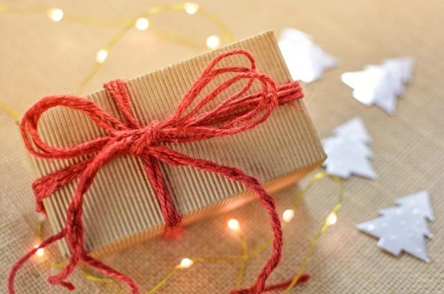 Rászoruló gyermekek számára gyűlnek az ajándékok