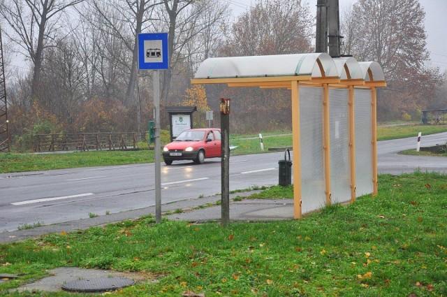 Helyreállítják télre a buszmegállókat