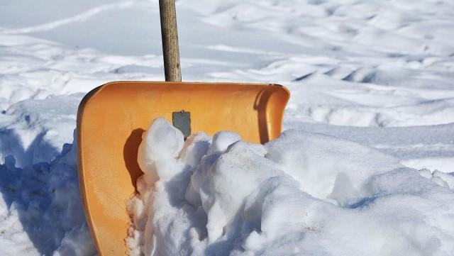 Segítenek, ha nem tudja ellapátolni a havat