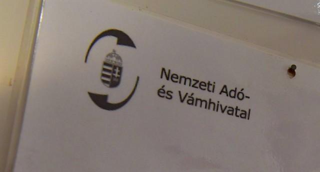 Érthetőbb nyelvre fordítja a NAV a dokumentumjait
