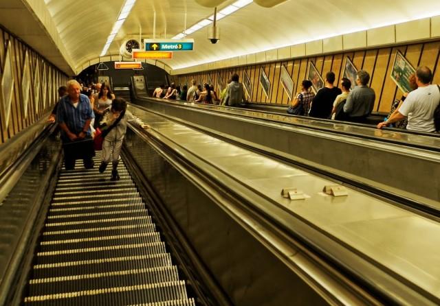 Az ellenzék húszmilliárdból akadálymentesítene egy metróvonalat