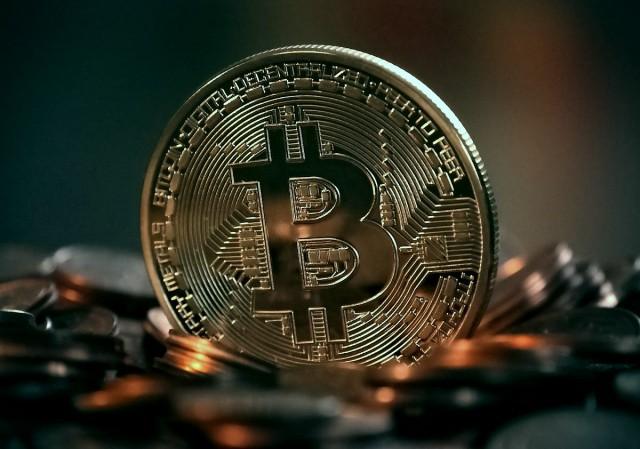 Térdre rogy a Bitcoin?