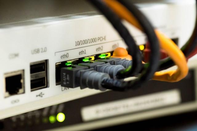 Tehetséges, rászoruló fiatalnak adna internetet a Vannet