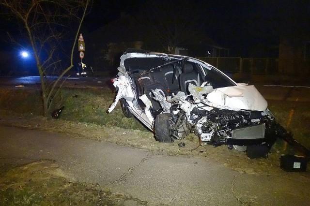 Piásan vezetett, meghalt az autóból kirepülő utasa
