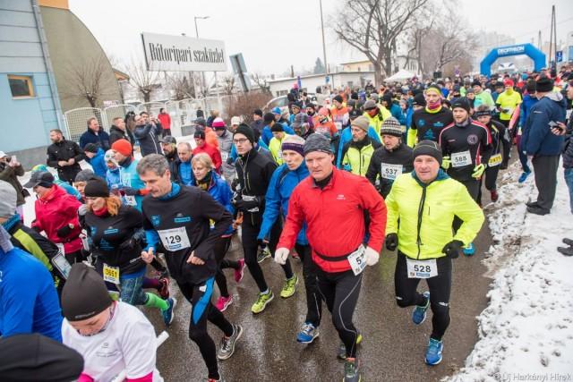Gyorshír: célba ért a futóverseny mezőnye