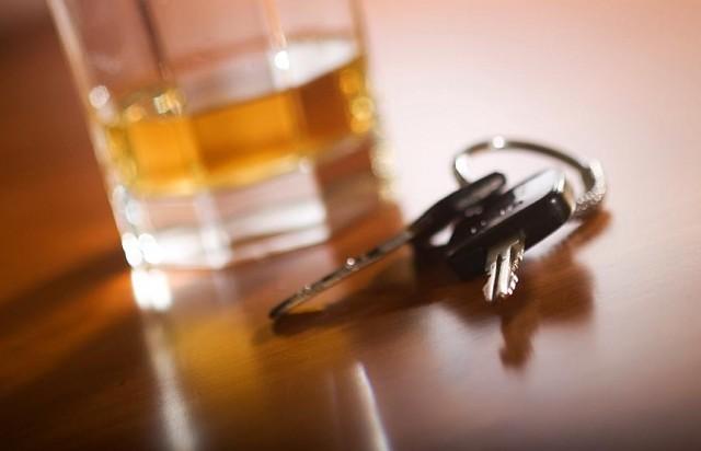 Beismerte: hagyta a részeg nőnek, hogy vezessen
