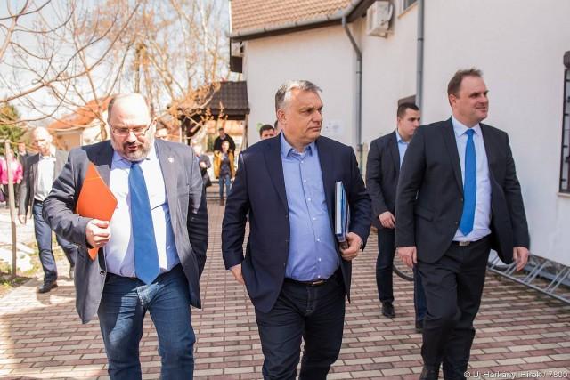 Harkányba látogatott Orbán Viktor