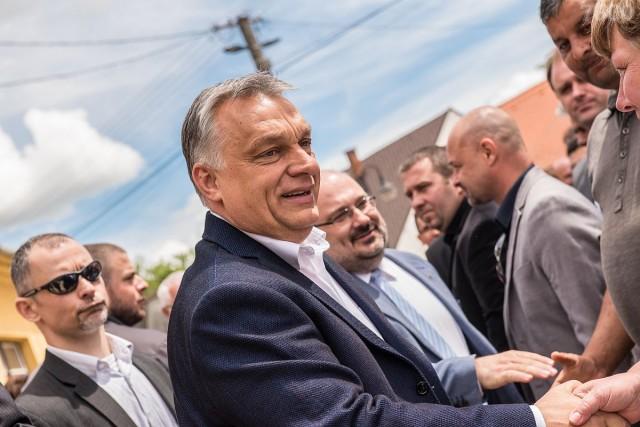 Ipari parkot, sportcentrumot és mindenkinek munkát ígért Orbán Viktor Vajszlón