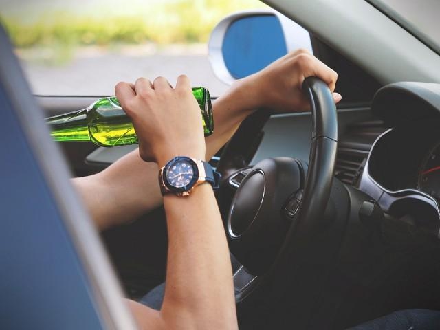 Egy héten át keresik a részeg és drogos sofőröket
