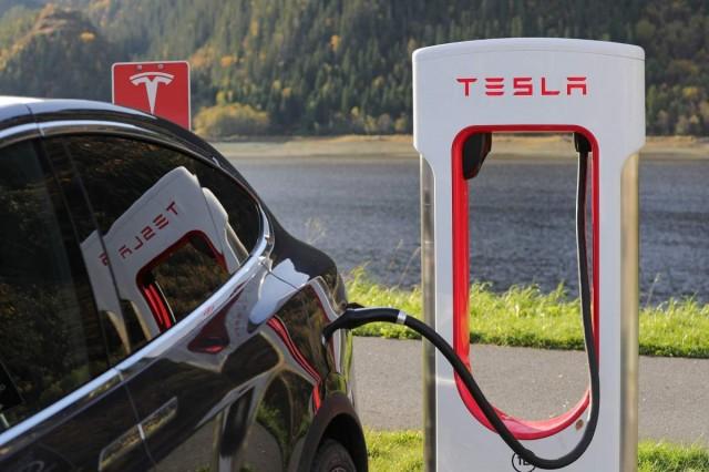 Távozik a Tesla igazgatótanácsának élérő Musk