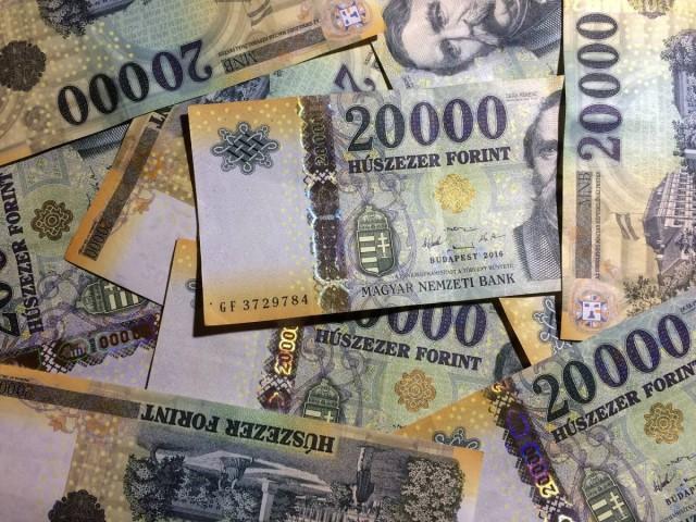 Nőttek a személyi hitelek: átlagosan 1,3 millió forintot igényeltek
