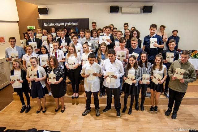 Kilenc harkányi iskolás nyert Tehetségekért ösztöndíjat