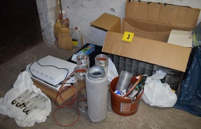 Előzetesbe került a pécsi garázsban drogot dugdosó férfi – VIDEO