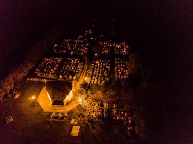 A rendőrség szerint még világosban kellene temetőbe menni