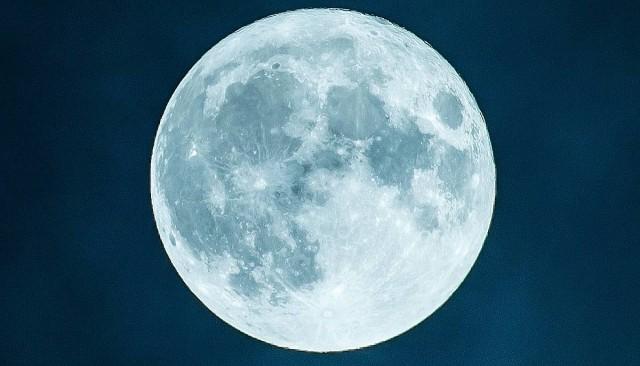 Indul az űrverseny: egyszerre jelentkeztek be a Holdra