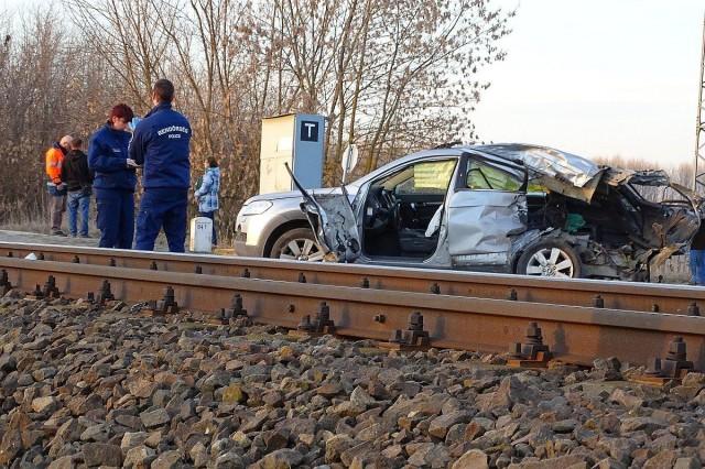 Halálos baleset történt egy vasúti átjáróban Kisteleknél. Fotó: Donka Ferenc, MTI