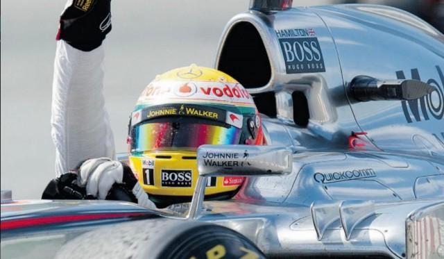 Vettel lett az első, mégis Hamilton győzött