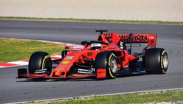 Vettel nyerte az időmérő edzést