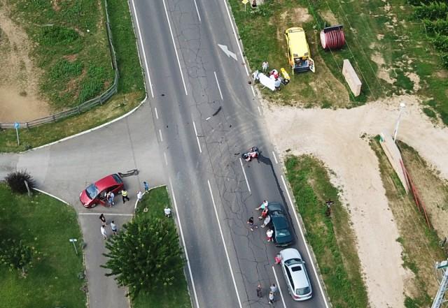 Tenkes-hegy – nyilakban, táblákban és sebességkorlátozásban lát megoldást a Közút