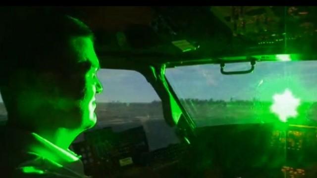 Lézerrel akarták elvakítani a pilótákat felettünk