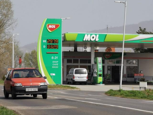 Üzemanyagárak Harkányban 2020. március 27-én.